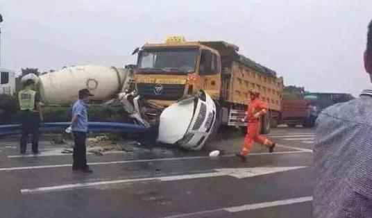 杭州萧山区红十五线车祸最新消息1
