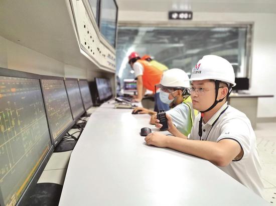 武汉地铁5号线35辆列车调试完毕