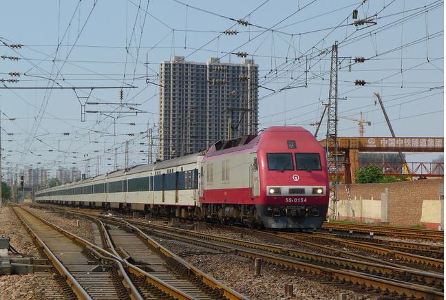 中国铁路售票系统_香港高铁售票系统将完善 助港人购内地段车票_中国衡阳新闻网
