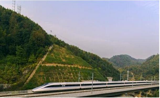 沪昆高铁贵阳至长沙段开通时间