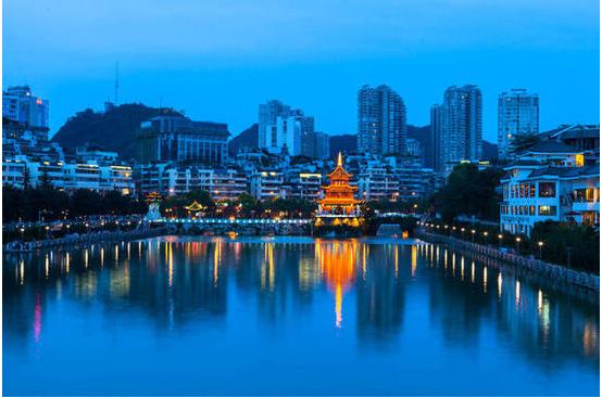 贵广高铁沿线美食与美景_高铁最新消息美食街揭阳市图片