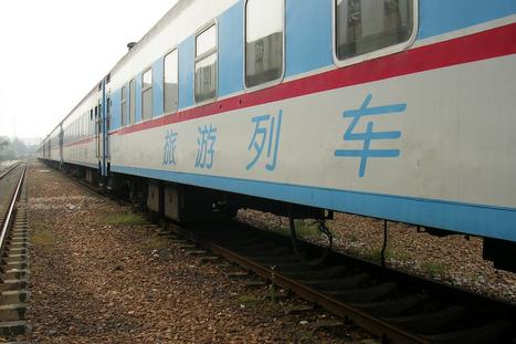 乌鲁木齐铁路局开行百列旅游列车