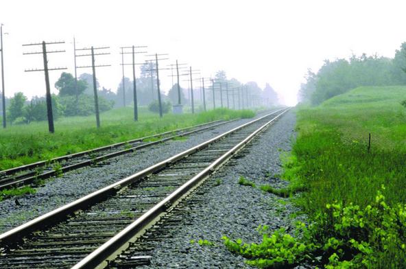 羌—格尔木铁路相连