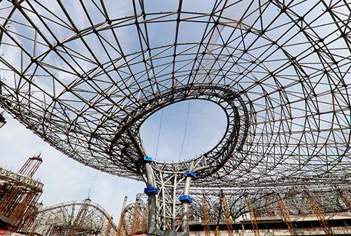 北京新航站楼钢结构封顶1