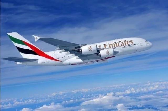 根据最新消息,从伦敦希思罗曼彻斯特到迪拜的客运航班已经调头