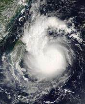 台风警报通常在其可能到来前几小时发布1