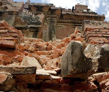 缅甸6.8级地震佛塔受损